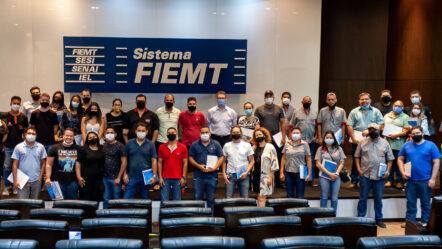 Gestores de oficinas mecânicas de MT se reúnem para palestra técnica em Cuiabá